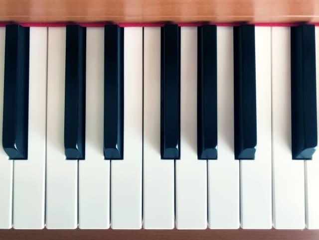 ピアノを始める年齢 最適な年齢は何歳?今さらもう遅い?