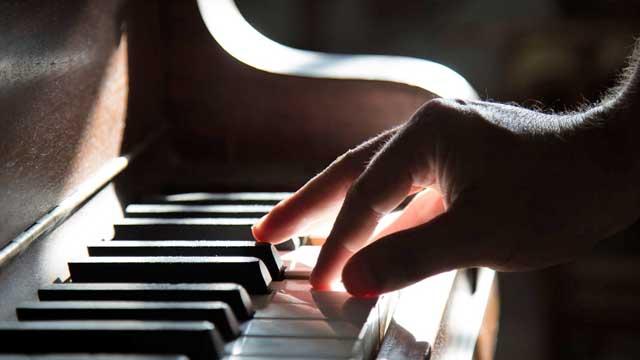 大人のためのピアノの練習方法:初めてのピアノ教本